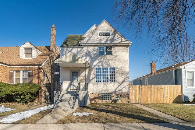 12733 Honore Street, Blue Island, IL 60406 (MLS #11075209) :: Helen Oliveri Real Estate