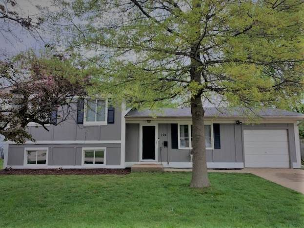 124 Dartmoor Drive, Crystal Lake, IL 60014 (MLS #11076373) :: Rossi and Taylor Realty Group