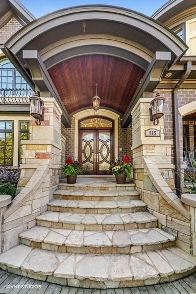915 W 58th Street, La Grange Highlands, IL 60525 (MLS #11077999) :: Helen Oliveri Real Estate