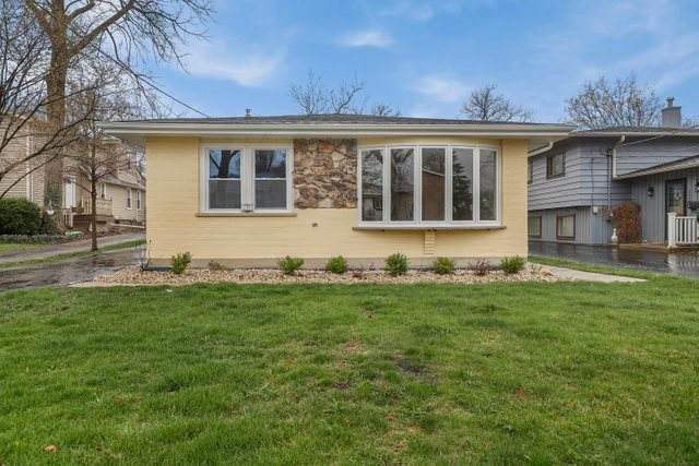 236 N Hager Avenue, Barrington, IL 60010 (MLS #11079955) :: Helen Oliveri Real Estate