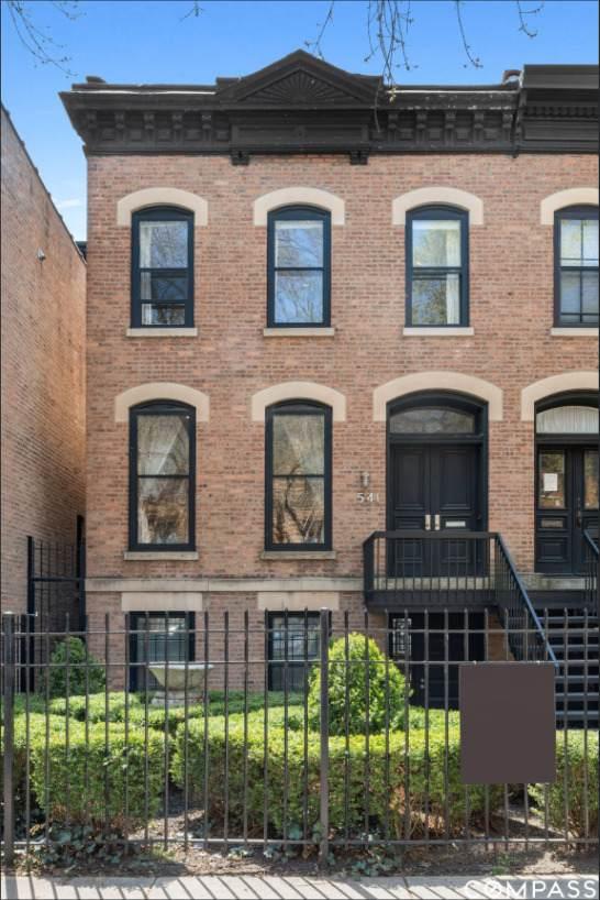 541 W Belden Avenue, Chicago, IL 60614 (MLS #11082610) :: John Lyons Real Estate