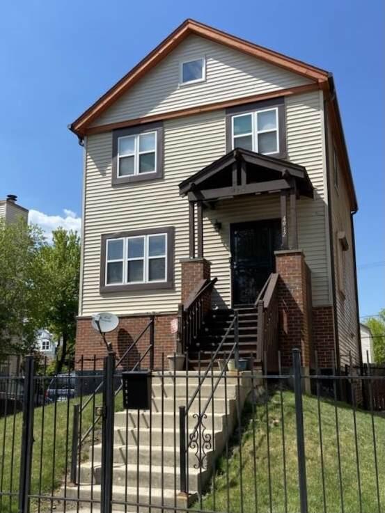 4912 W Jackson Boulevard, Chicago, IL 60644 (MLS #11089042) :: Angela Walker Homes Real Estate Group