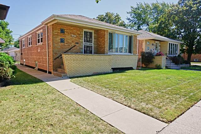 5755 S Mayfield Avenue, Chicago, IL 60638 (MLS #11089383) :: Littlefield Group