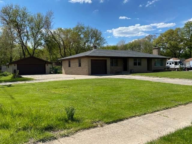 294 S Division Street, Braidwood, IL 60408 (MLS #11089384) :: Helen Oliveri Real Estate