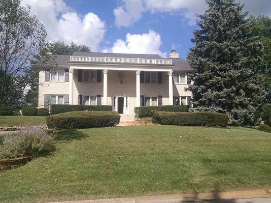 12 Hampton Drive, Oak Brook, IL 60523 (MLS #11103534) :: BN Homes Group