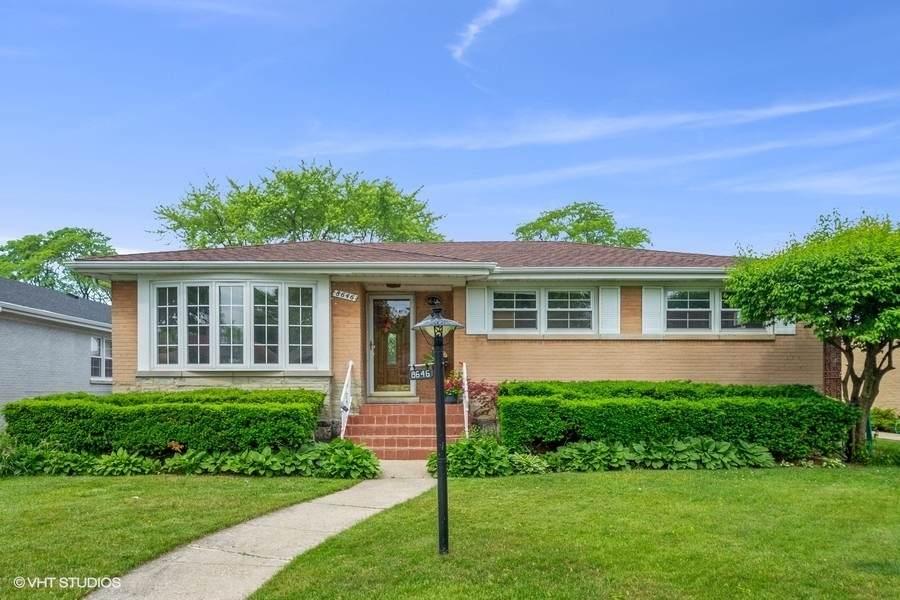 8646 Monticello Avenue - Photo 1
