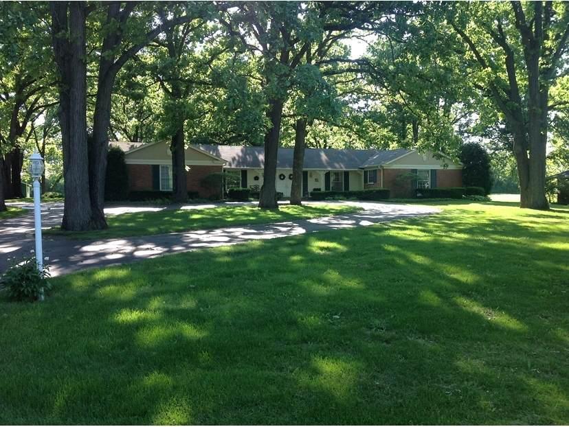 890 Oak Knoll Drive - Photo 1