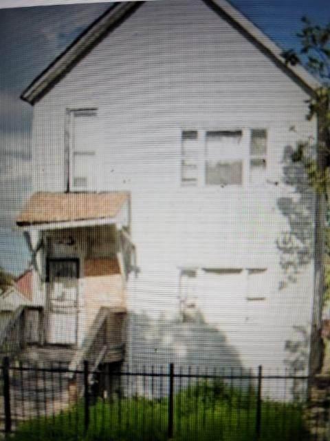 7647 Dante Avenue - Photo 1