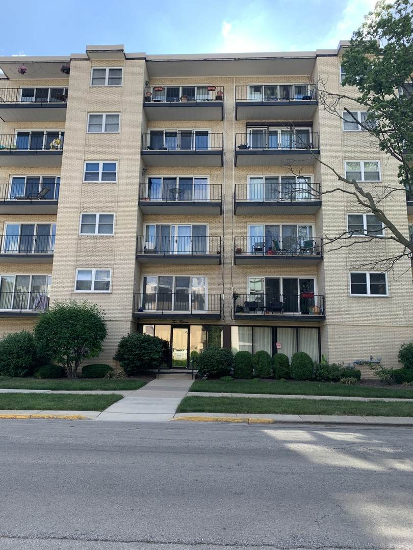 215 Marengo Avenue - Photo 1