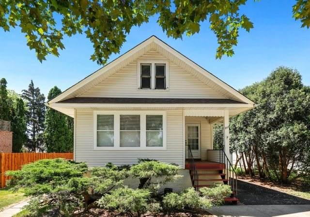 843 Walter Avenue, Des Plaines, IL 60016 (MLS #11114301) :: Helen Oliveri Real Estate