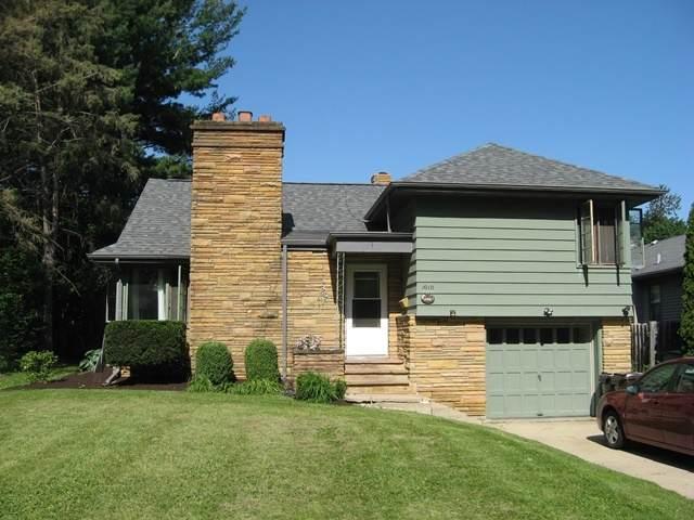 1010 S Stewart Avenue, Freeport, IL 61032 (MLS #11117296) :: BN Homes Group