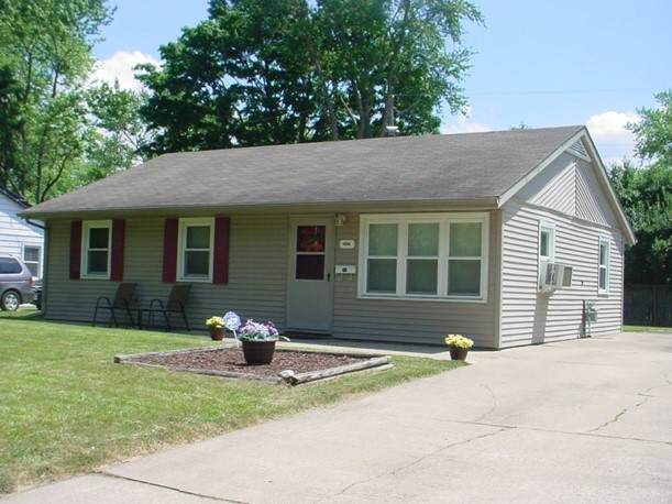 1422 Holly Hill Drive, Champaign, IL 61821 (MLS #11120402) :: The Wexler Group at Keller Williams Preferred Realty