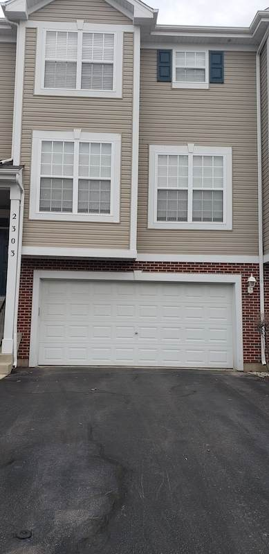 2303 Hudson Circle, Aurora, IL 60502 (MLS #11121623) :: Ryan Dallas Real Estate