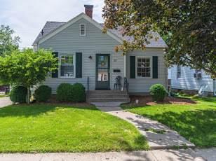 517 S Florence Avenue, Bloomington, IL 61701 (MLS #11123229) :: Ryan Dallas Real Estate