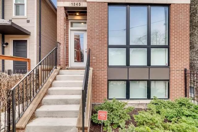 1345 W Huron Street #3, Chicago, IL 60642 (MLS #11127346) :: Ani Real Estate