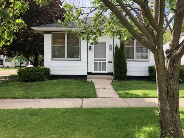 411 S Genesee Street, Morrison, IL 61270 (MLS #11129573) :: RE/MAX Next