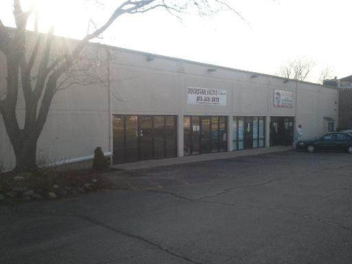 1230 Davis Road, Woodstock, IL 60098 (MLS #11132818) :: Lewke Partners