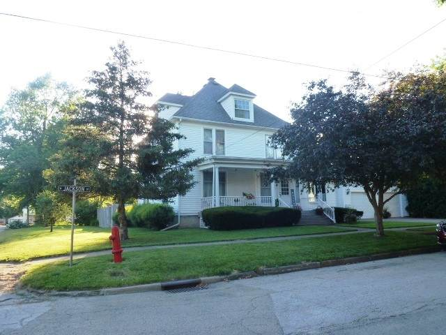 803 N Jackson Street, CLINTON, IL 61727 (MLS #11135295) :: John Lyons Real Estate