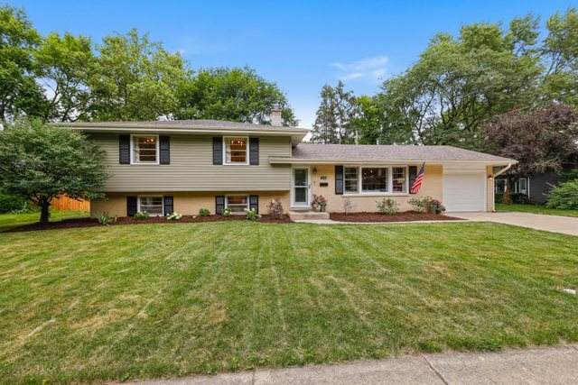 1236 Laurel Lane, Naperville, IL 60540 (MLS #11141110) :: O'Neil Property Group