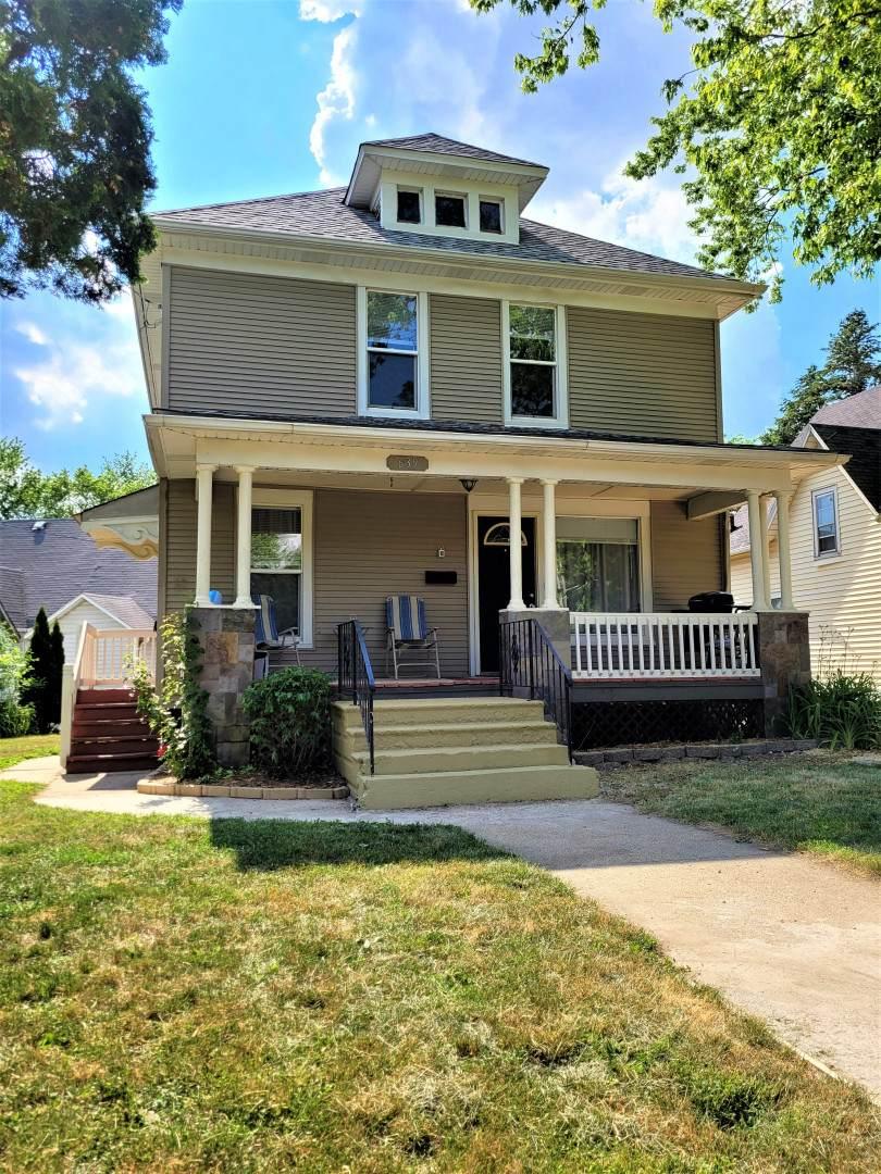 639 4th Street - Photo 1