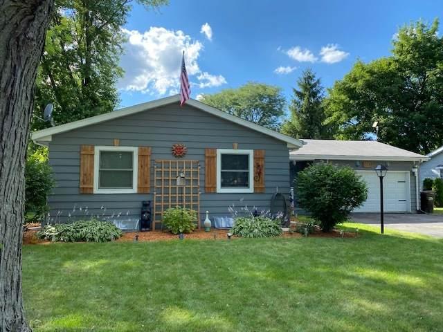 454 Mary Lane, Crystal Lake, IL 60014 (MLS #11151860) :: Suburban Life Realty