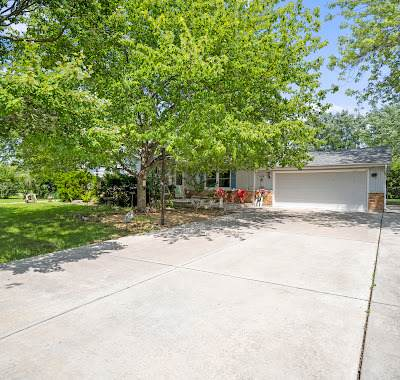 20801 S Sarver Drive, Shorewood, IL 60404 (MLS #11154662) :: Suburban Life Realty