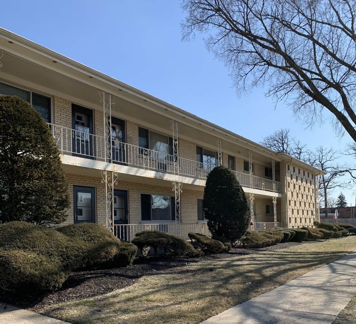845 Busse Highway - Photo 1
