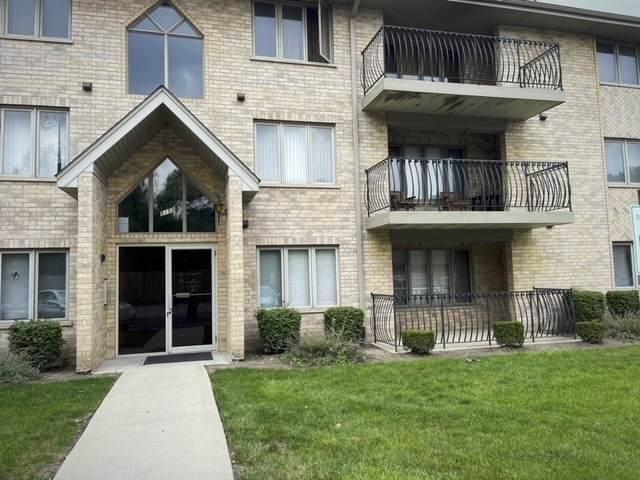 5150 Shadow Creek Drive #2, Oak Forest, IL 60452 (MLS #11163662) :: Schoon Family Group