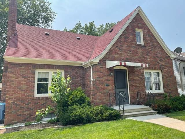 1103 Jefferson Street, Mendota, IL 61342 (MLS #11165778) :: O'Neil Property Group