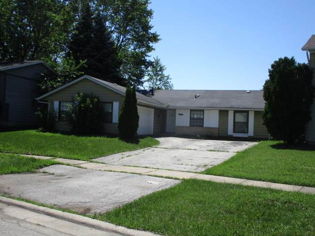 18106 Versailles Lane, Hazel Crest, IL 60429 (MLS #11165965) :: O'Neil Property Group