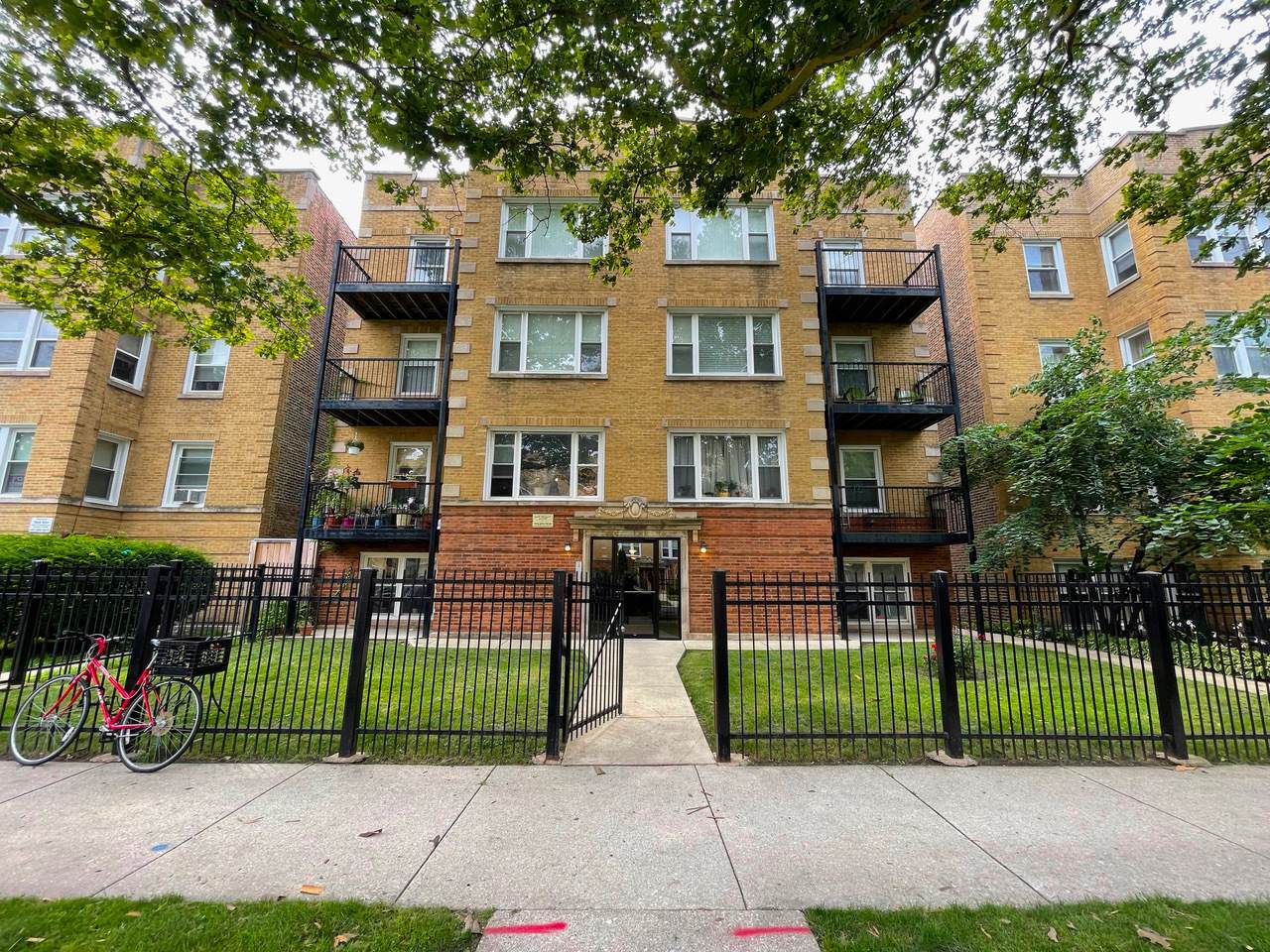 6116 Claremont Avenue - Photo 1