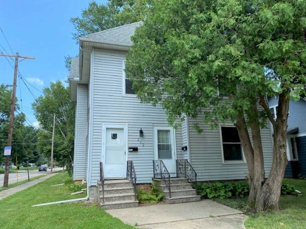 212 11th Avenue, Sterling, IL 61081 (MLS #11173887) :: Carolyn and Hillary Homes