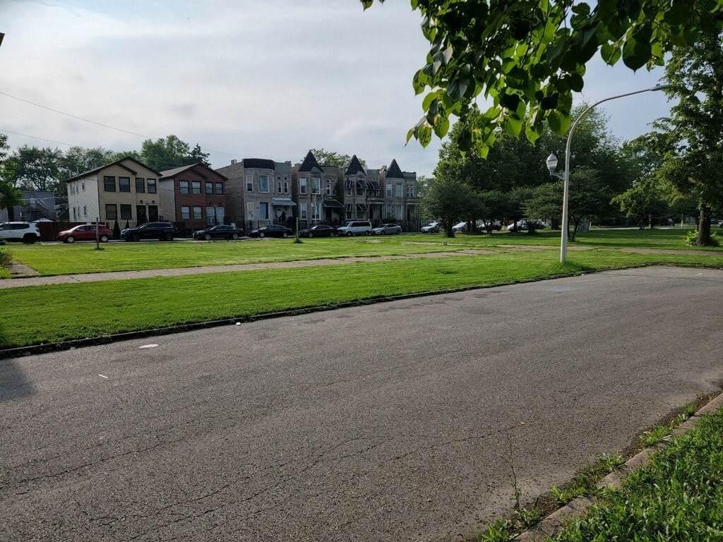 437 Monticello Avenue - Photo 1