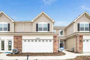 1207 Hawk Hollow Drive, Yorkville, IL 60560 (MLS #11179008) :: Carolyn and Hillary Homes