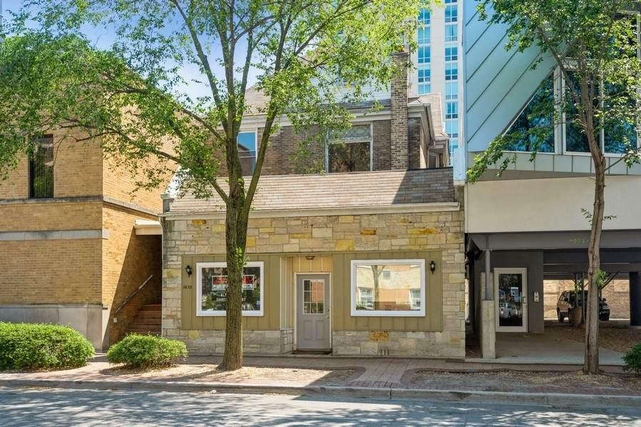 1633 Oak Avenue - Photo 1