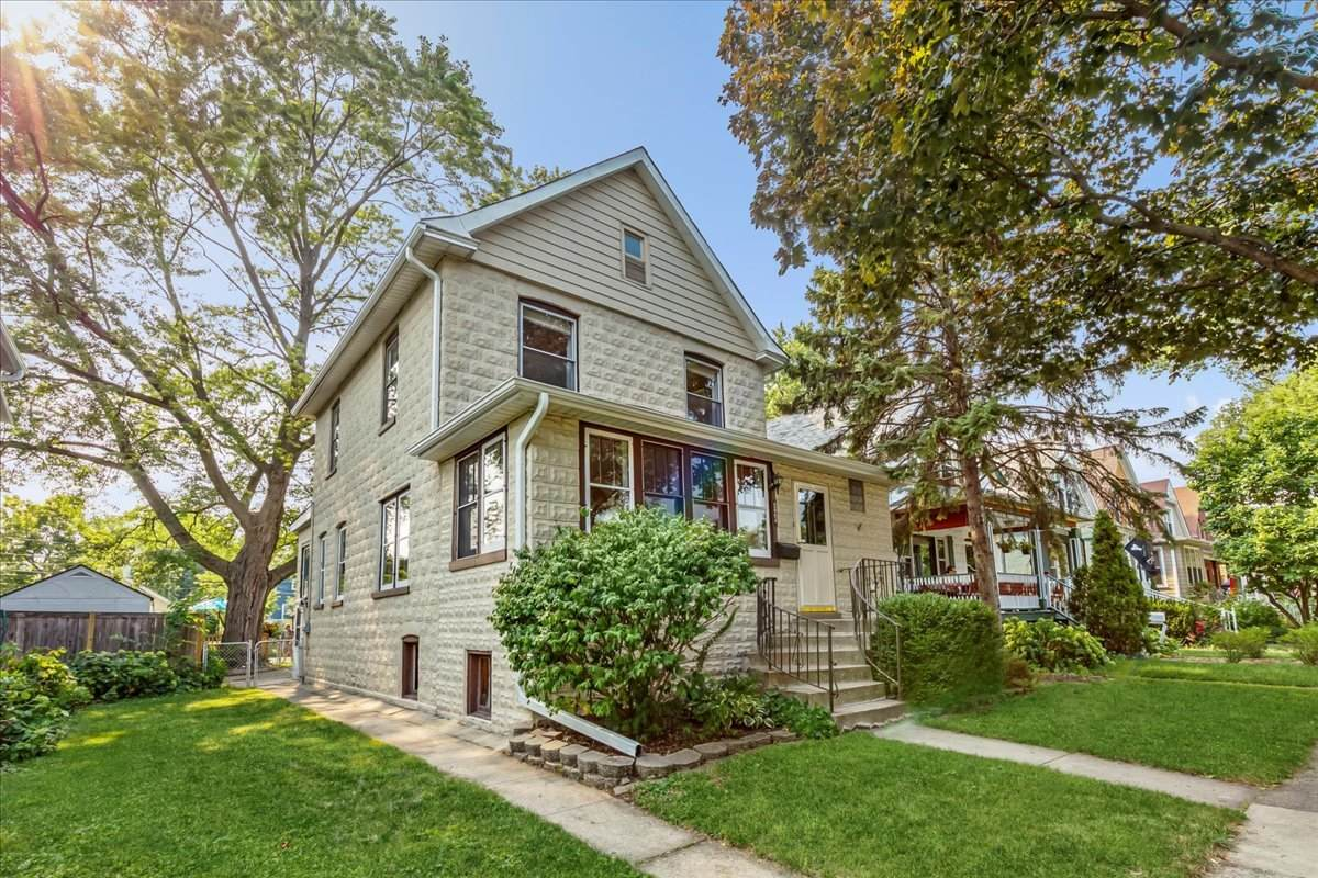823 Lombard Avenue - Photo 1