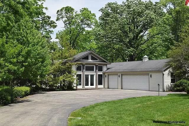 34W160 White Thorne Road, Wayne, IL 60184 (MLS #11184781) :: Lewke Partners - Keller Williams Success Realty