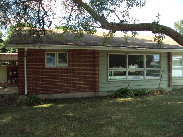 1515 Golfview Road - Photo 1