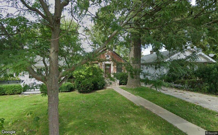 208 Highwood Avenue - Photo 1