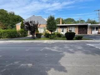 3875 Pratt Avenue, Lincolnwood, IL 60712 (MLS #11201501) :: Ryan Dallas Real Estate