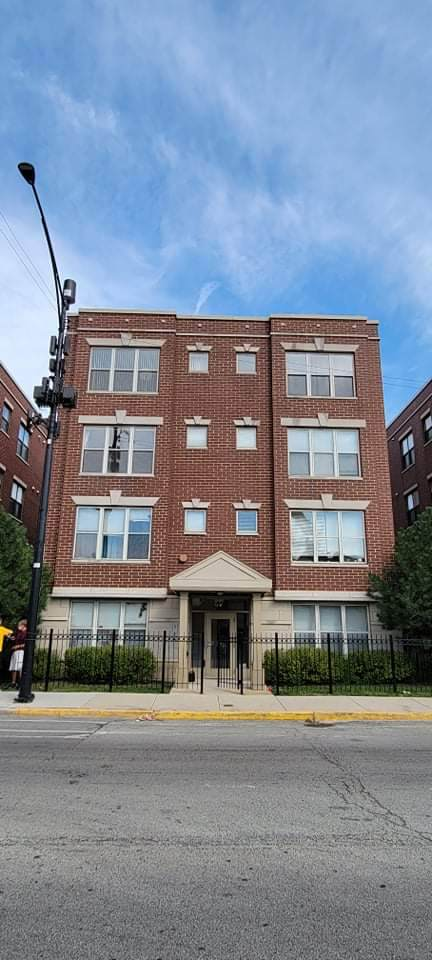1421 Halsted Street - Photo 1