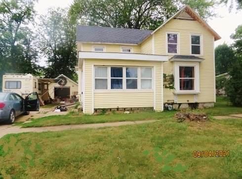 16 N Metcalf Avenue, Amboy, IL 61310 (MLS #11209846) :: The Wexler Group at Keller Williams Preferred Realty