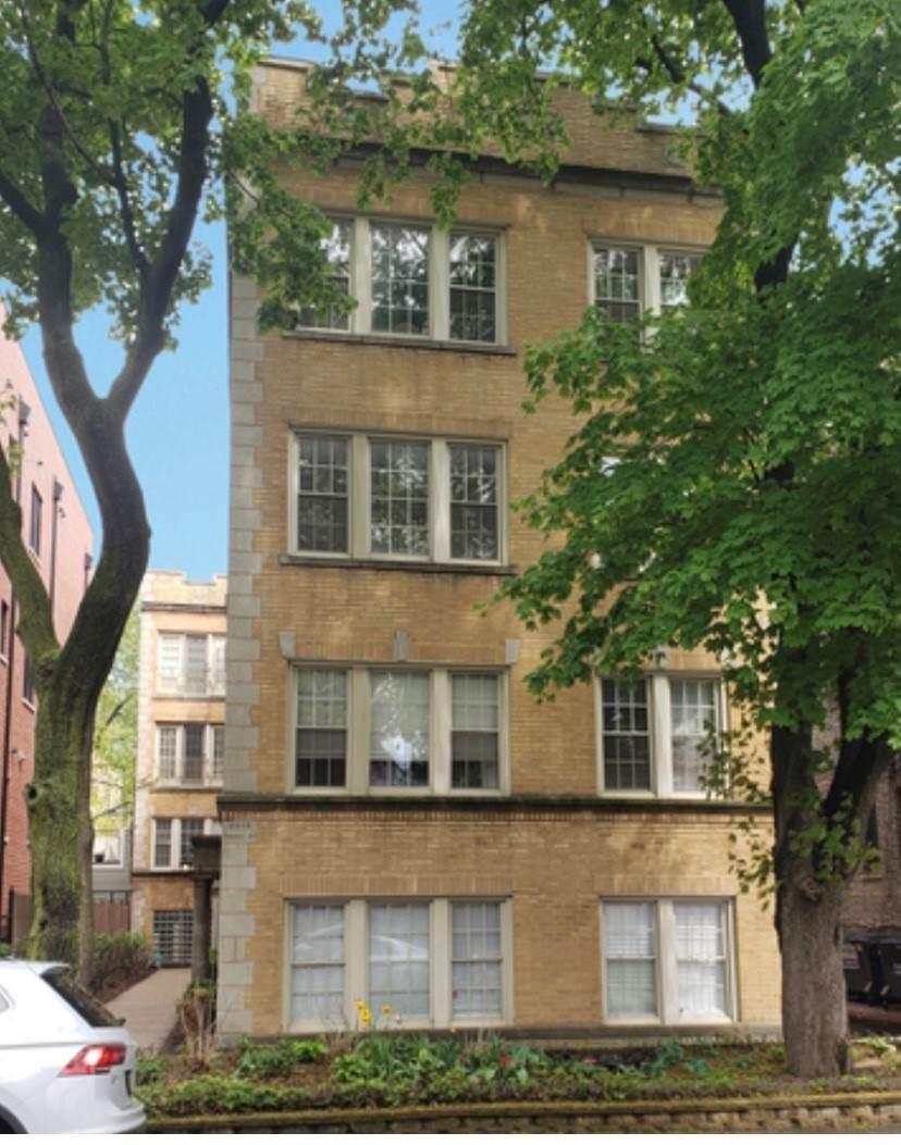 2215 Bissell Street - Photo 1
