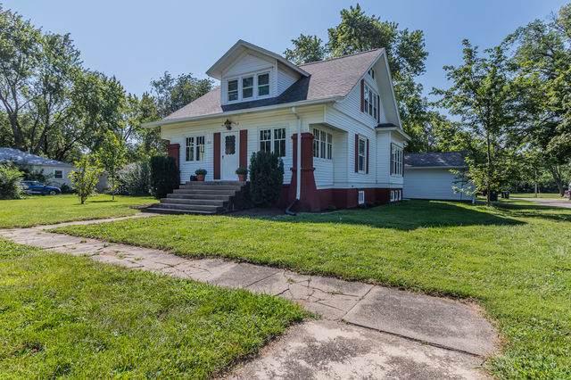 311 W Wilson Avenue, VILLA GROVE, IL 61956 (MLS #11211634) :: Ryan Dallas Real Estate