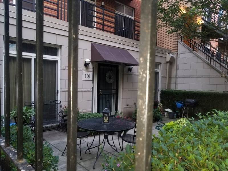 1033 46th Street - Photo 1