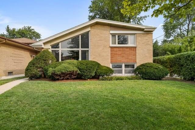 3916 W Greenleaf Avenue, Lincolnwood, IL 60712 (MLS #11218489) :: Ryan Dallas Real Estate