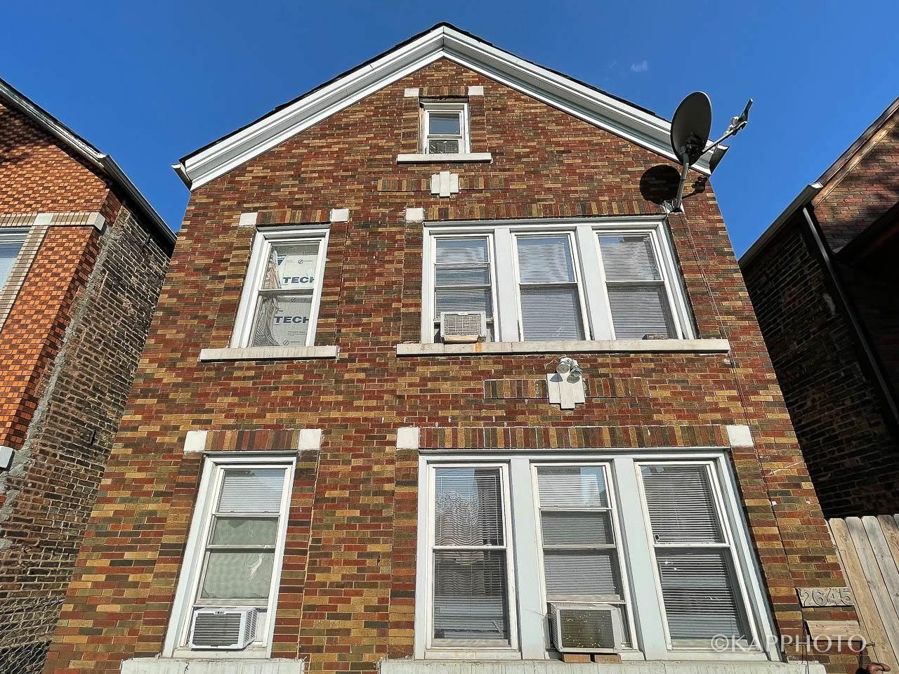 2645 Homan Avenue - Photo 1