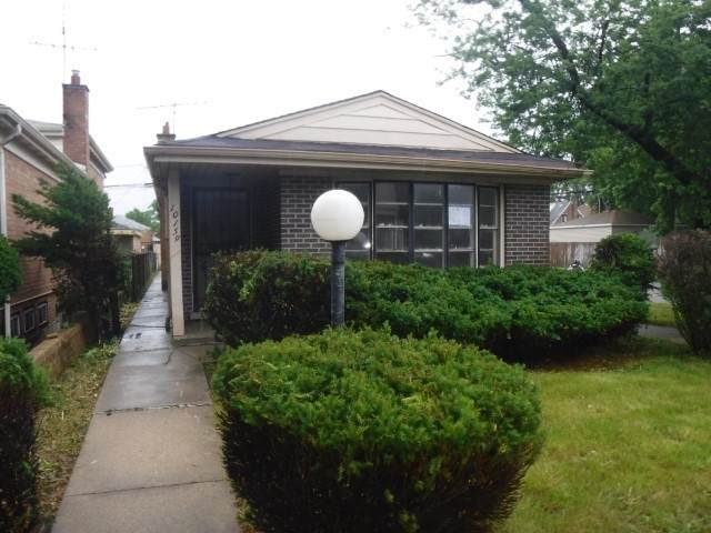 10159 S Indiana Avenue, Chicago, IL 60628 (MLS #11223717) :: Angela Walker Homes Real Estate Group