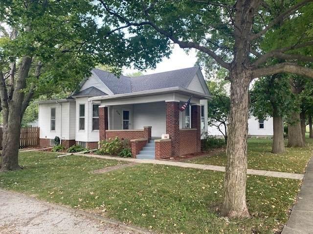 306 E Pembroke Street, Tuscola, IL 61953 (MLS #11224593) :: Lewke Partners - Keller Williams Success Realty