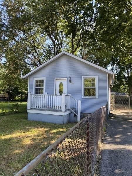 553 Howard Avenue, Aurora, IL 60506 (MLS #11228021) :: Janet Jurich